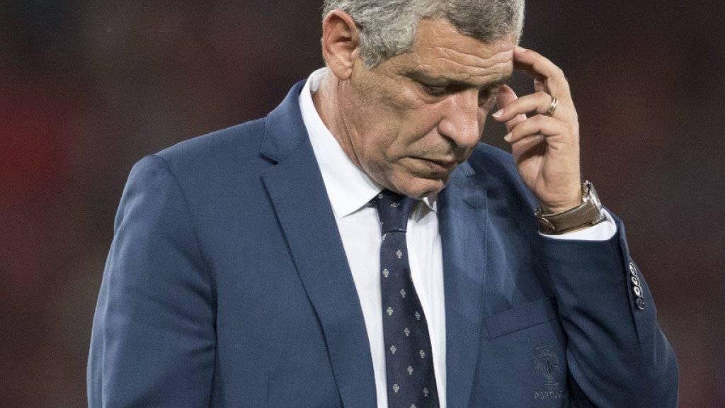 Portugals Nationaltrainer Fernando Santos denkt sich eine Taktik für das wohl entscheidende WM-Qualifikationsspiel gegen die ungeschlagenen Schweizer aus