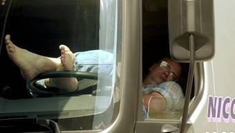 Die Autolenkerin war stark übermüdet. (Symbolbild)