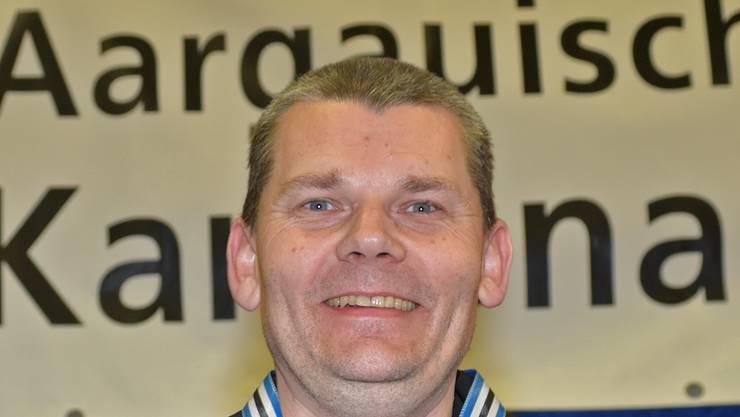 Pistolenschütze Dieter Grossen sammelte an den Schweizer Meisterschaften in Thun zwei weitere Goldmedaillen.
