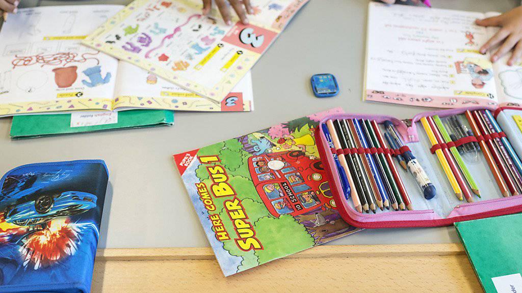 Soll in Graubünden weiterhin gelten: Ab der dritten Klasse wird eine Landessprache als erste Fremdsprache unterrichtet, ab der fünften lernen alle Englisch.