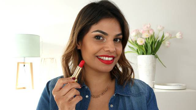 Perfekte rote Lippen für dein Valentins-Date