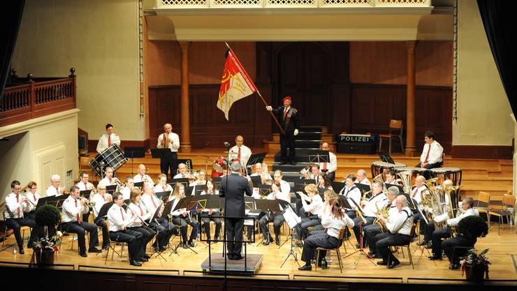 Das Spiel der Kantonspolizei beim Eröffnungsmarsch im Konzertsaal.