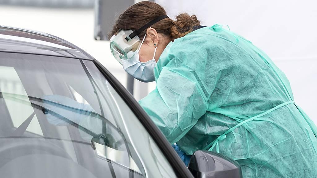 Im Kanton Luzern stehen in Luzern, Nottwil und Entlebuch Drive-in-Testzentren zur Verfügung. (Archivaufnahme)