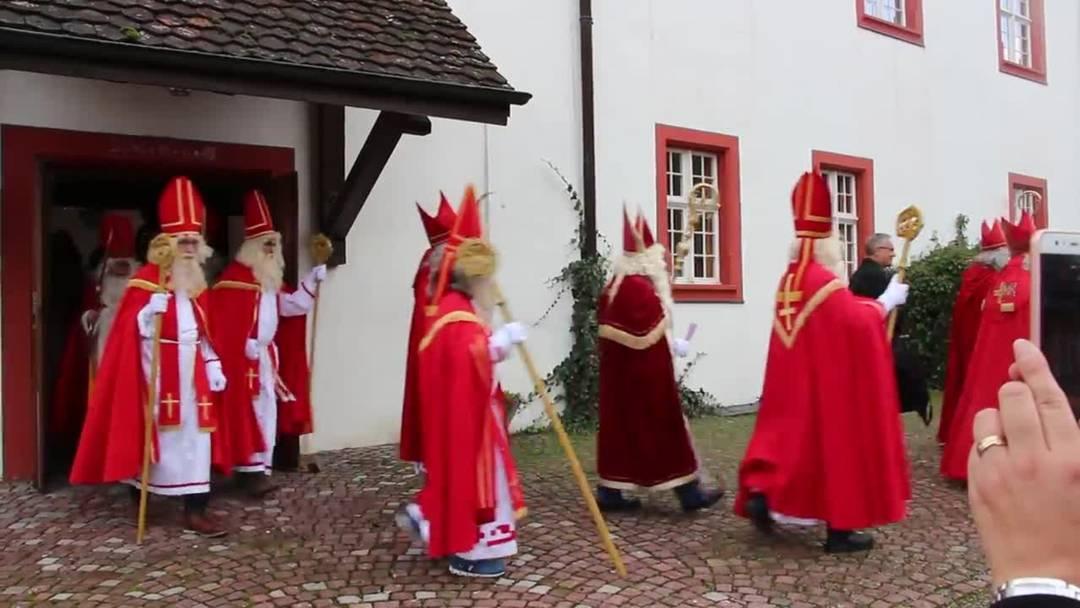Zur 4. Samichlaus-Synode haben sich in der Propstei Wislikofen Samichläuse aus der halben Schweiz getroffen.