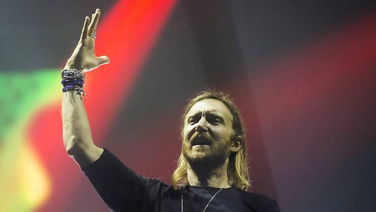 DJ David Guetta lässt nichts auf Justin Bieber kommen: Der Junge arbeite hart und gebe sich mit keinen Kompromissen zufrieden, lobt er. (Archivbild)
