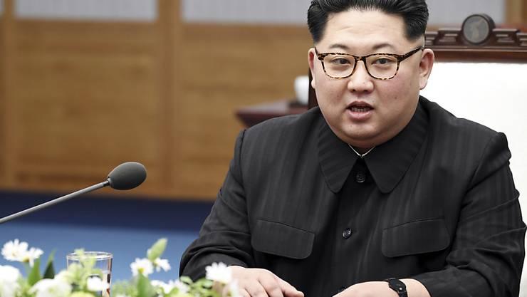 Will seinen Worten Taten folgen lassen und sein Atomtestgelände im Mai schliessen: Nordkoreas Machthaber Kim Jong Un. (Archivbild)
