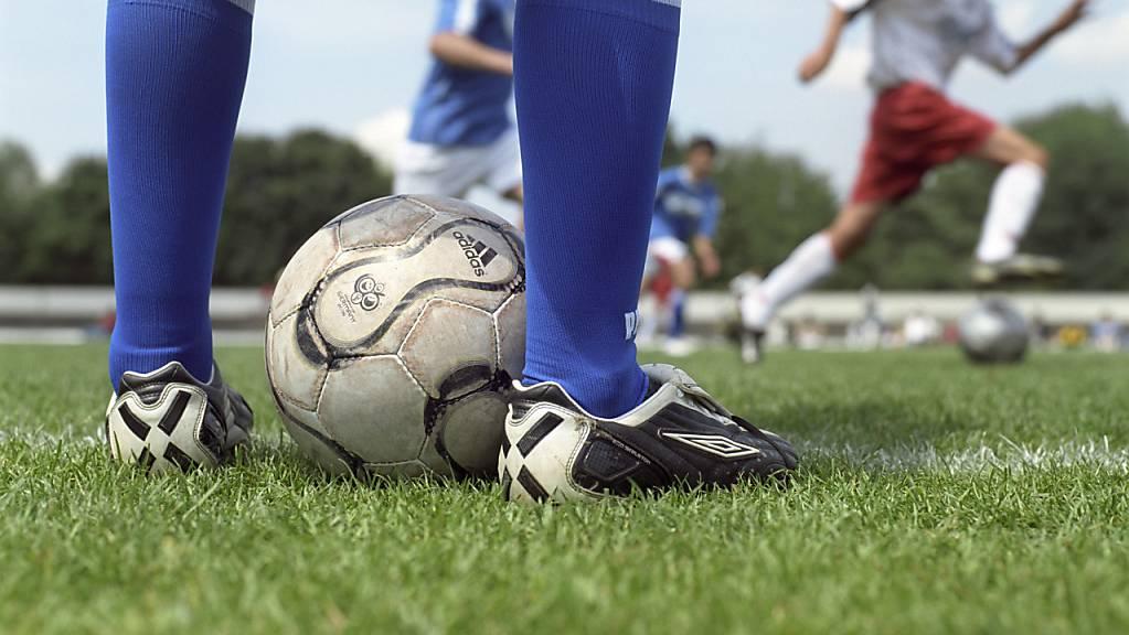 Sport soll gemäss der UEFA für alle Menschen gleichermassen zugänglich sein. Doch europäische Fussballclubs haben offensichtlich ein Diskriminierungsproblem, wie zwei Studien andeuten.