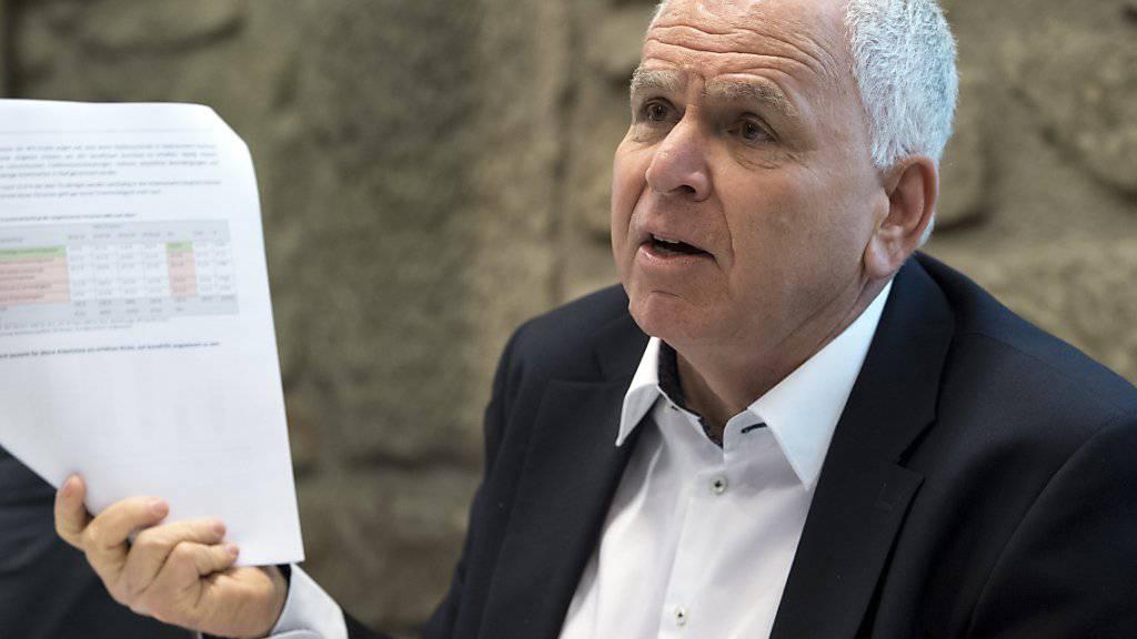 """Nur jede siebte arbeitslose Person über 55 Jahre finde wieder eine existenzsichernde Anstellung, sagte Felix Wolffers, CO-Präsident der SKOS an einer Medienkonferenz in Bern. """"Das ist eine Schande."""""""