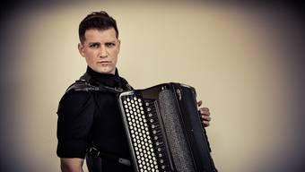 International gefragter Akkordeonist aus Bern: Mario Batkovic.HO