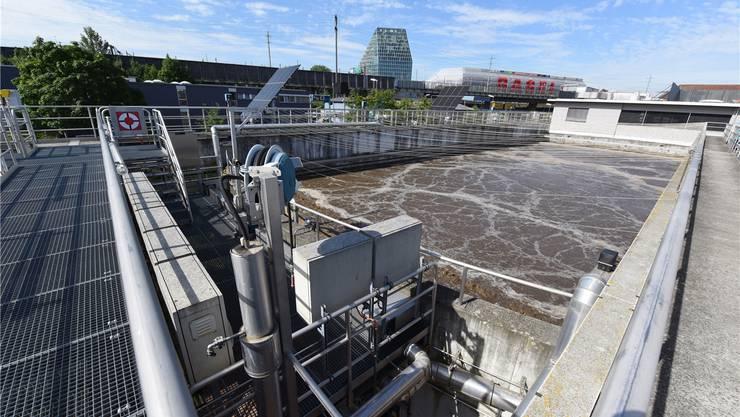 Hier wird Wasser gesäubert, doch laufen auch noch kaum erforschte Prozesse mit Antibiotika und Bakterien ab.