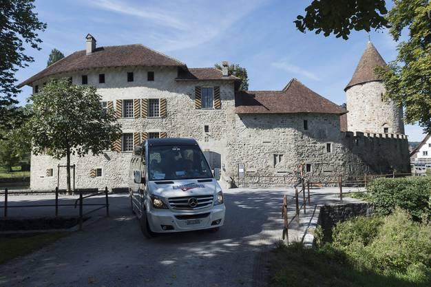 Reisejournalisten im Aargau, hier beim Schloss Hallwil.