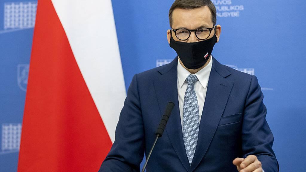 Mit dem Tagebau in Turow seien vier bis sieben Prozent der Energieerzeugung des Landes verbunden, hieß es in einer Erklärung von Ministerpräsident Mateusz Morawiecki. Foto: Mindaugas Kulbis/AP/dpa