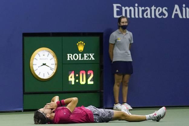 Erleichterung nach 4:02 Stunden Spielzeit: Dominic Thiem gewinnt bei den US Open seinen ersten Grand-Slam-Titel.
