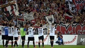 Die FC Aarau-Spieler wollen auch gegen YB wieder vor vollem Haus jubeln.