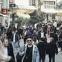 Am Samstag spazierten die Menschen dicht gedrängt und oft ohne Maske durch die Steinenvorstadt.