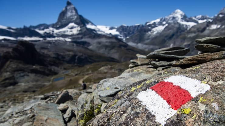 Am Matterhorn ist ein Pole beim Abstieg tödlich verunglückt. Er wurde erst vier Tage später von Rettungskräften gefunden. (Symbolbild)