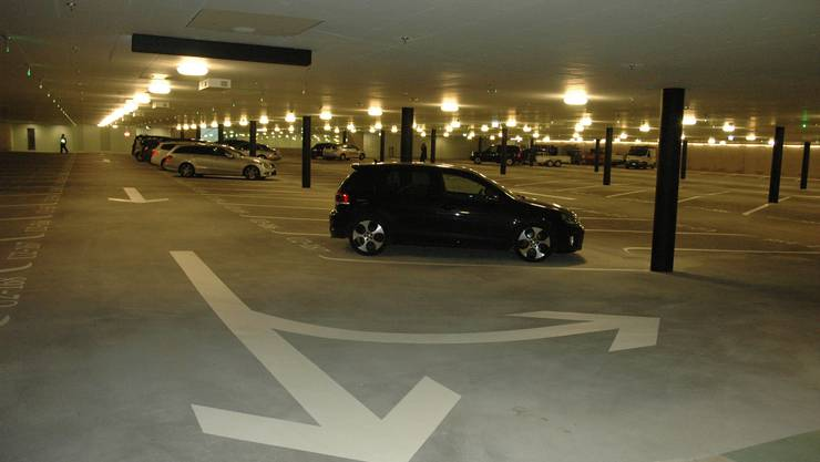 Weil die privaten Parkplätze im Opéra öffentlich genutzt werden, flammt der Konflikt um das Zürcher Parkhaus neu auf.