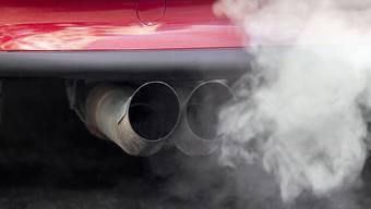 Der CO2-Ausstoss bleibt hoch, weil die Schweizer schwerere Autos kaufen.