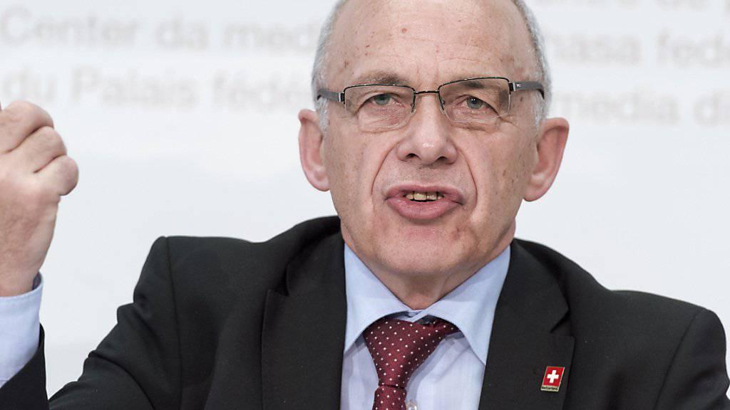 """""""Jahrelang zu kauen"""": Bundesrat Ueli Maurer über die Auswirkungen bei einem Nein zur Unternehmenssteuerreform III. (Archivbild)"""