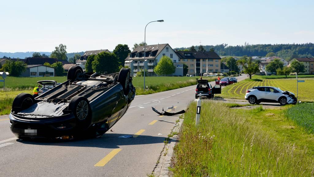 Auto überschlagen: Verkehrsunfall fordert zwei Verletzte