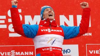 Nikita Kriukov wirft sich in Siegerpose