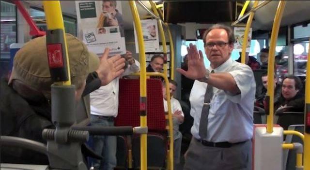 So trainieren die RVBW ihre Chauffeure: Ausschnitte aus einem Gewaltpräventions-Kurs 2012.