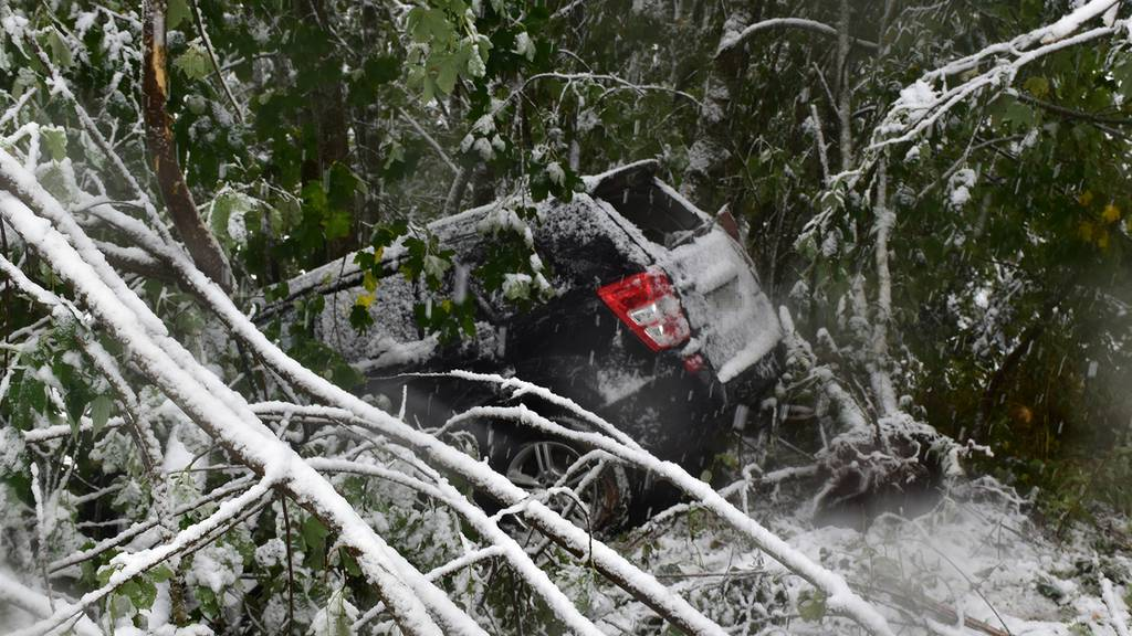 20 Unfälle wegen des Schnees – Mutter mit Baby verletzt