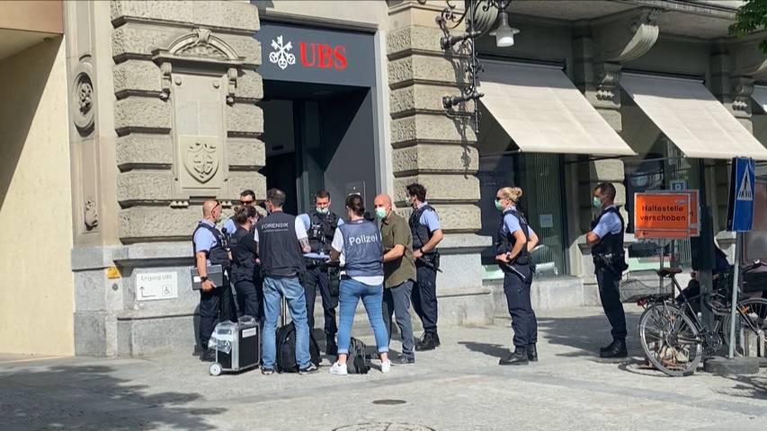 UBS-Filiale am Römerhof überfallen: Täter weiterhin auf der Flucht