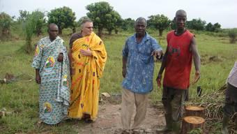 Edi Keller, zweiter von links, setzt sich mit seiner Stiftung für die Côte d'ivoire ein.