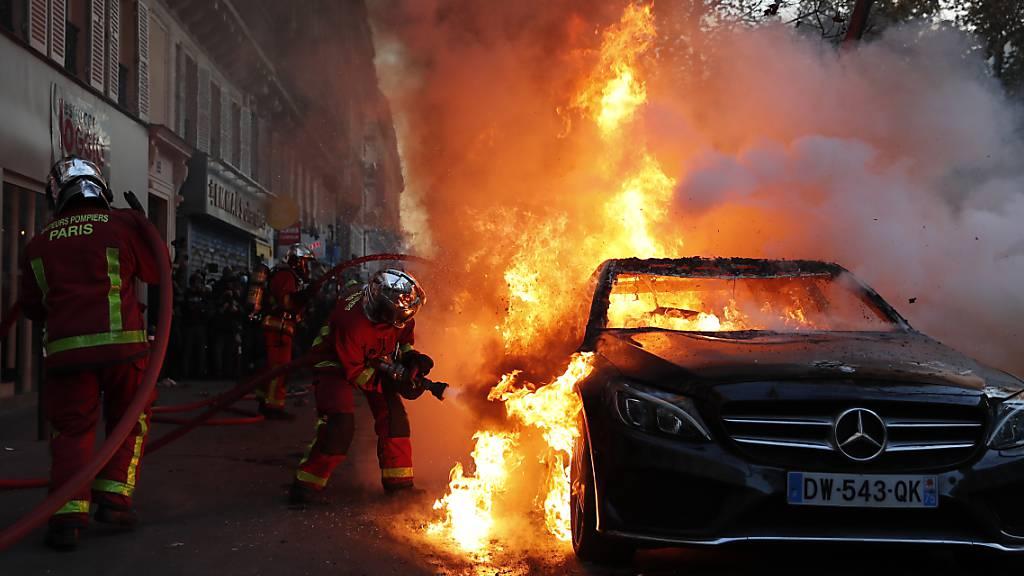Festnahmen nach Protesten gegen Sicherheitsgesetz in Frankreich
