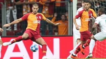 Eren Derdiyok (links) trifft mit «Gala» auf Schalke 04.