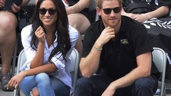 Angeblich steht die Verlobung von Prinz Harry und Meghan Markle unmittelbar bevor. Die Braut soll sich in Toronto mit einer Party von ihrem kanadischen Freundeskreis verabschiedet haben. (Archivbild)