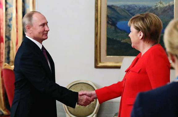 Angela Merkel versucht im Ukraine-Konflikt zu vermitteln.