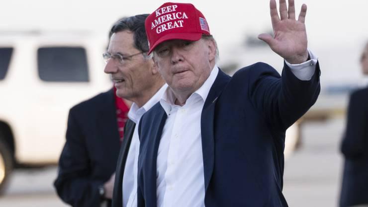 Weder US-Präsident Donald Trump noch einer seiner Rechtsvertreter wird am Mittwoch an der Impeachment-Anhörung im Parlament teilnehmen. (Archivbild)