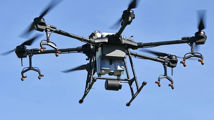Immer mehr Drohnen surren über dem Alpstein. Jetzt will die Appenzell Innerrhoder Regierung die Fluggeräte verbieten (Archivbild).
