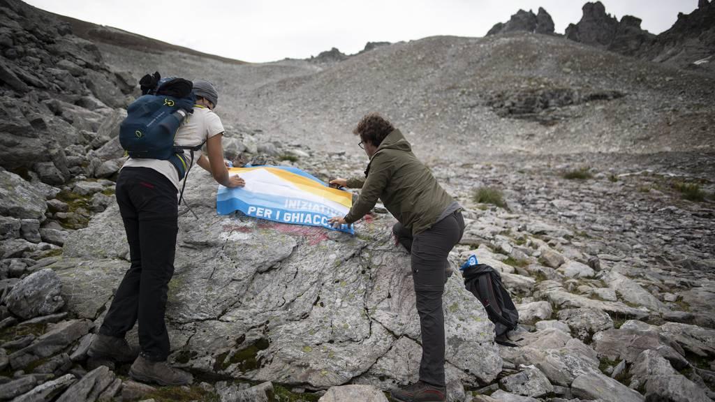 Gilt als erstes Schweizer Gletscher-Opfer: Aktivisten gedenken im Herbst dem verschwundenen ewigen Eis am Pizol, dem höchsten St.Galler Berg.