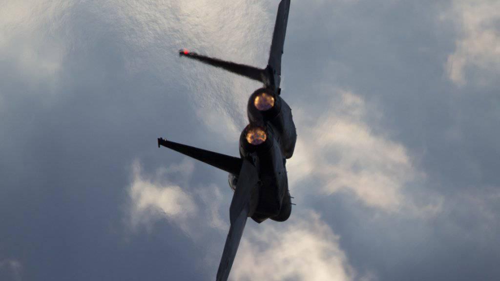 Ein US-Kampfjet des Typs F-15. (Symbolbild)