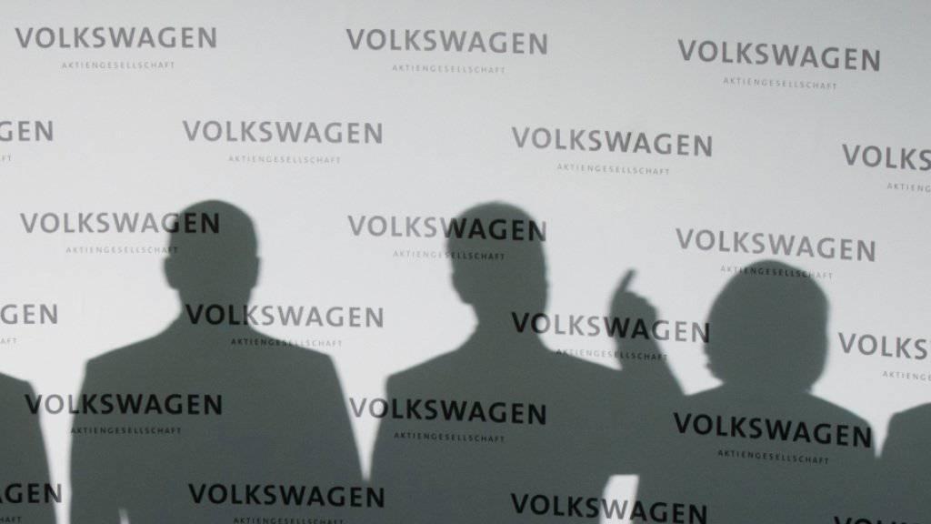 Die Manager von Volkswagen im Visier der Justiz: Die Braunschweiger Staatsanwaltschaft ermittelt wegen möglicher Untreue von Managern bei der Vergütung des VW-Bezirksrats. (Archivbild)
