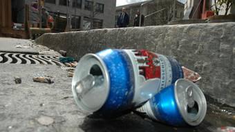 Weiterhin sollen nur Polizisten Abfallsünder büssen dürfen. az