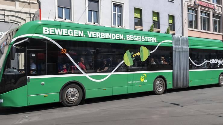 Das Busnetz im Kanton Basel-Stadt soll über die Grenzen hinaus optimiert werden, so die Forderung.