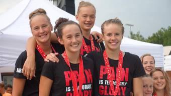 Siegerinnen 4x200m Freistil (Nora Wick, Samira Arnold, Kim Bachmann, Evelyn McIlven).