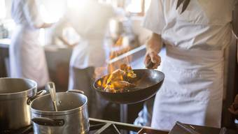 Für freie Stellen in Restaurants erhalte man vom Regionalen Arbeitsvermittlungszentrum (RAV) oft ungeeignete Bewerber, heisst es bei Gastro Aargau. (Symbolbild)