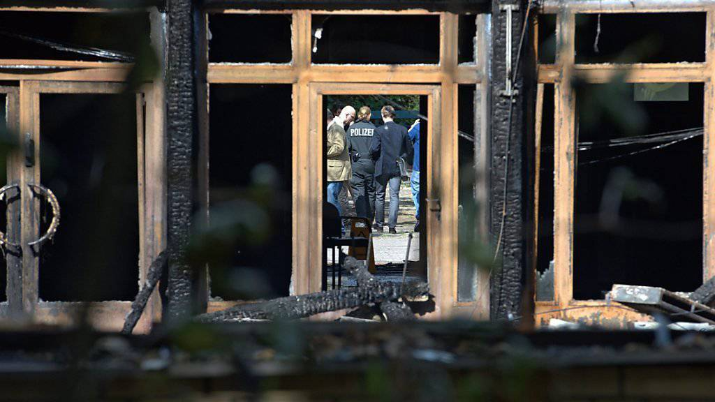 Wieder brennt in Deutschland ein Haus, in dem Flüchtlinge untergebracht sind (Archivbild).