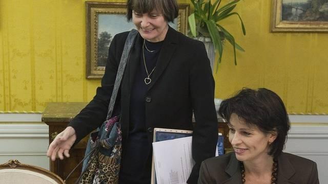 Neben Micheline Calmy-Rey (l.) und Doris Leuthard (r.) reist auch Johann Schneider-Ammann nach Davos (Archiv)