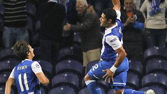 FC Portos Hulk mit Freudensprung nach seinem Führungstreffer