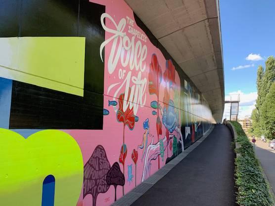 Ein Blick auf den bereits vollendeten Teil der Streetart-Meile.