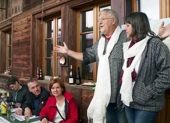 Adieu, Familie, Freunde und Bauernhaus! Suter und Breitschmid feiern ein grosses Abschiedsfest.