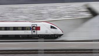 Im Gotthard-Basistunnel erreichen Züge eine Geschwindigkeit von 160 bis 200 km/h. (Archivbild)