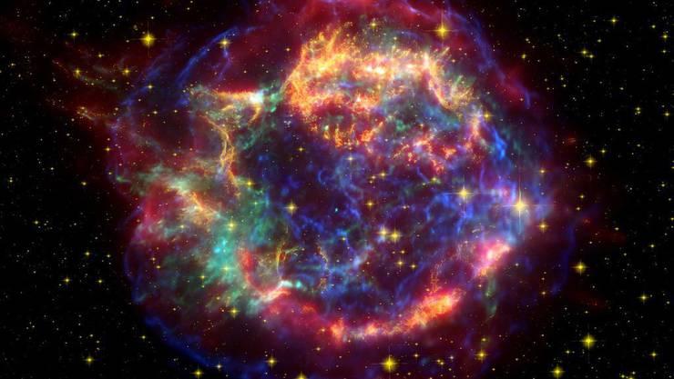 Die Explosionswolke einer Supernova, die vor 300 Jahren am irdischen Himmel aufgeflammt ist - heute als Cassiopeia A bekannt. Kürzlich haben Forscher eine rekordverdächtige Supernova beobachtet, die 500 mal heller strahlte. (Symbolbild)