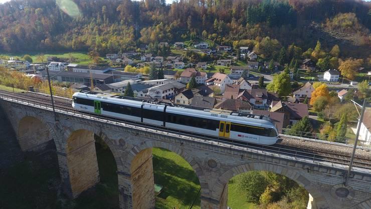 Wie lange kann das Läufelfingerli noch über das Rümlinger Viadukt fahren? Das Baselbieter Stimmvolk entscheidet am 26. November